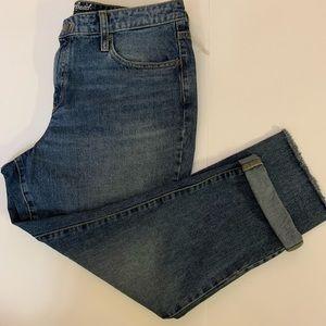 Universal Thread Jeans - NWT UNIVERSAL THREADS high rise straight legged